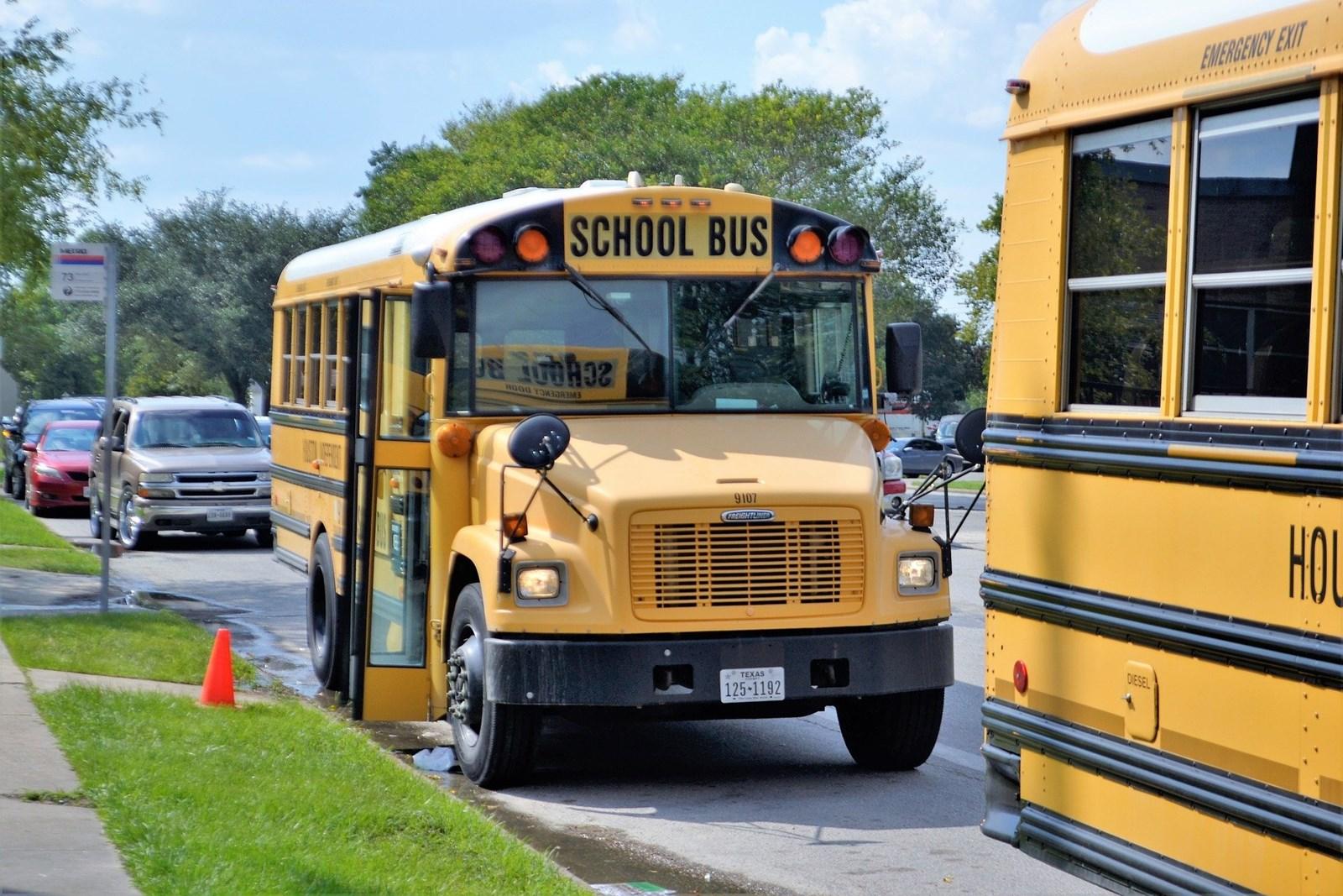 school-buses-2801134_1920.jpg